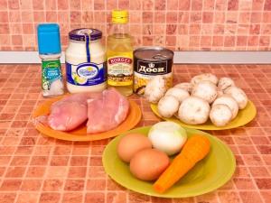 Салат с кукурузой и грибами. Ингредиенты