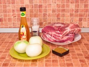 Шашлык из свинины, маринованный в уксусе. Ингредиенты