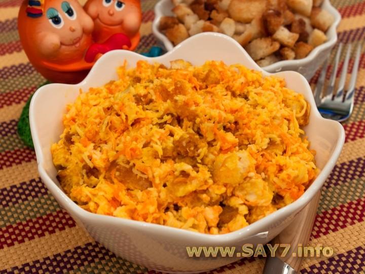 Рецепт Салат с сухариками, сыром и морковкой