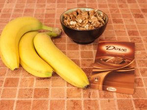 Бананы, фаршированные орехами в шоколаде. Ингредиенты