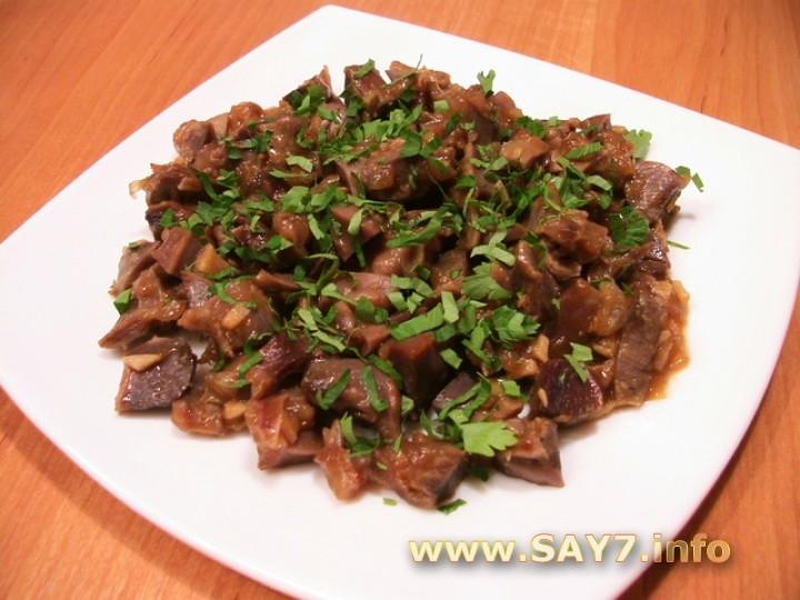 Рецепт Куриные желудки, жаренные с луком и соевым соусом