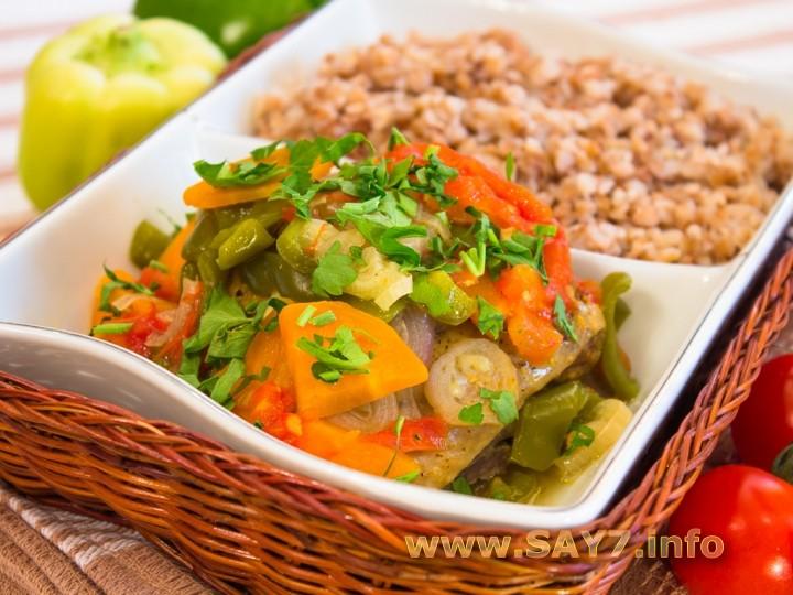 Рецепт Курица с овощами, тушенная в фольге