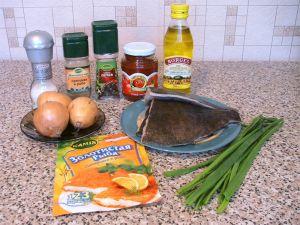 Жареная камбала под томатно-луковым соусом. Ингредиенты