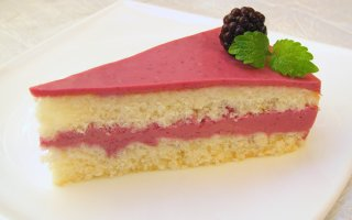 Торт Ежевичный