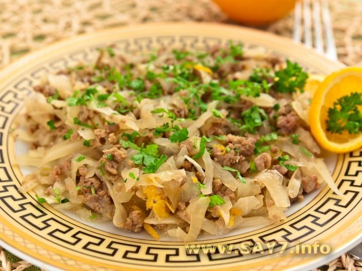 Рецепт Капуста, тушенная с фаршем и апельсинами