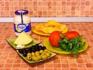 Сырная закуска на чипсах. Ингредиенты
