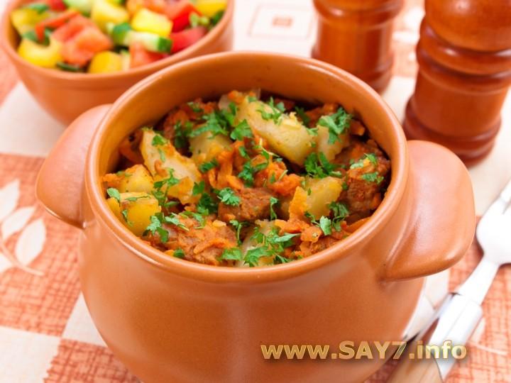 Рецепт картофель с мясом в духовке в горшочке