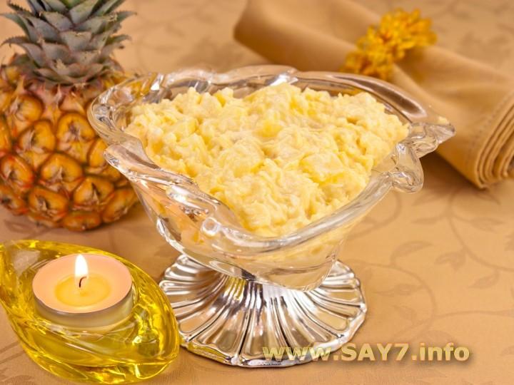 Рецепт Салат с сыром и ананасами
