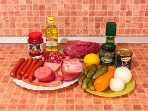 Солянка мясная. Ингредиенты
