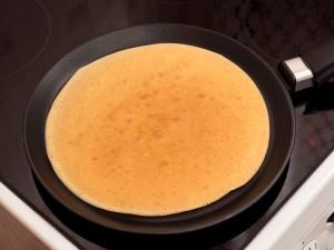 Гречневые блины (17 фото): рецепты блюда из гречишной муки на электроблиннице, готовим гречишные блины без пшеничной муки на воде, молоке и кефире