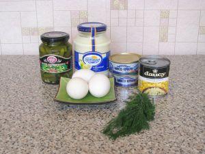Салат с мясом криля. Ингредиенты