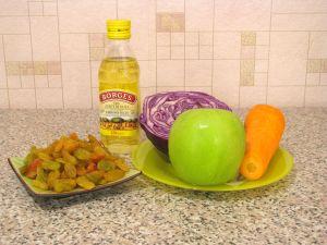 Салат с капустой, яблоком и изюмом. Ингредиенты