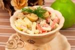 Салат с колбасой, картофелем и грибами