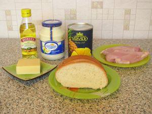 Салат с куриным филе, сухариками и ананасами. Ингредиенты