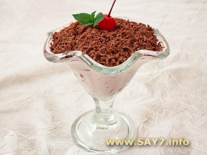 Рецепт Творожный десерт с шоколадом и черешней