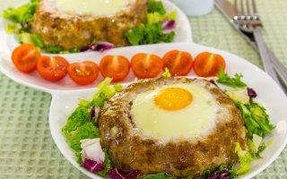 Яичные гнездышки к завтраку – кулинарный рецепт