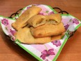 Слоеные пирожки с капустой