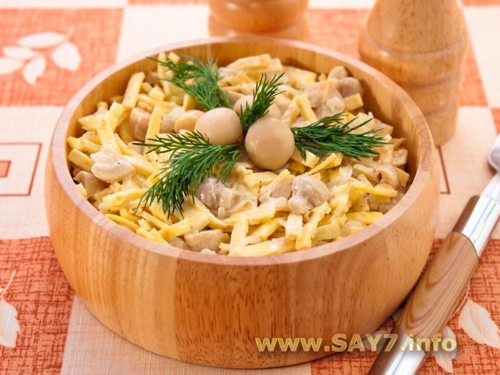 Рецепт Салат с грибами, блинчиками и луком