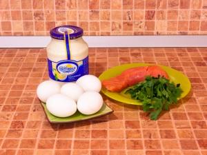 Яйца, фаршированные семгой. Ингредиенты