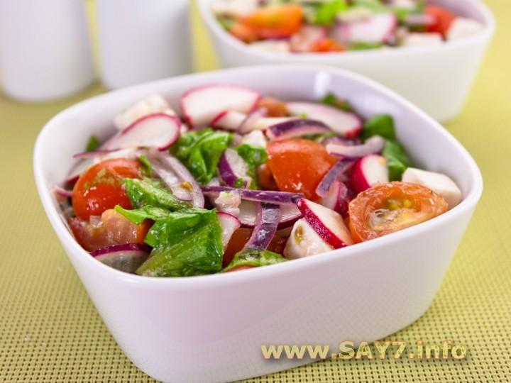 Рецепт Салат с редисом, помидорами и фетой