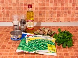 Салат с тунцом и стручковой фасолью. Ингредиенты