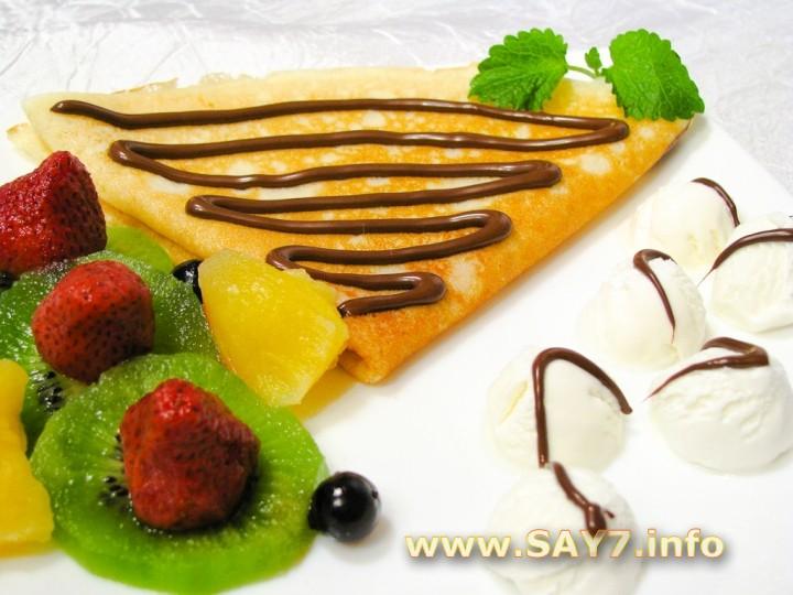 Рецепт Блинчики с фруктами, ягодами, мороженым и шоколадом