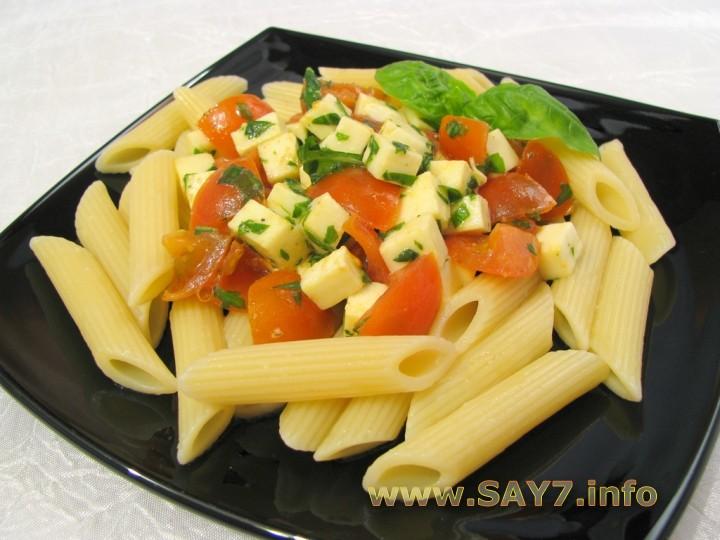 Рецепт Макароны c помидорами, моцареллой и базиликом