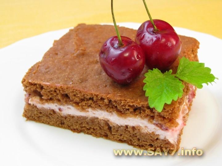 Рецепт Шоколадное пирожное с творожно-вишневым кремом