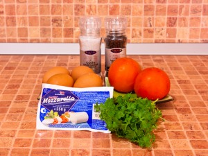 Яичница с помидорами и моцареллой. Ингредиенты
