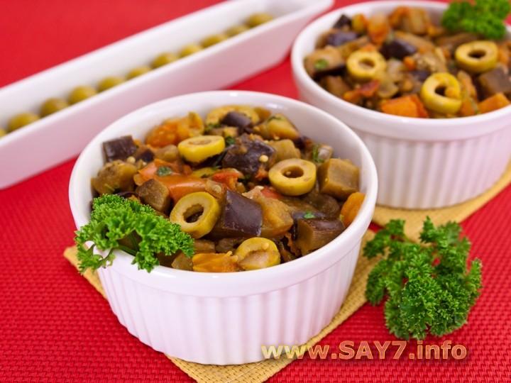 Рецепт Баклажаны, тушенные с оливками и помидорами