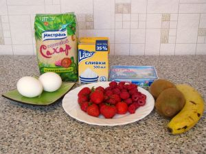 Безе с кремом и фруктами. Ингредиенты