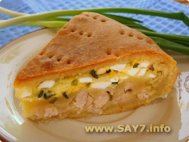 Пирог с мясом, луком, яйцами и сыром