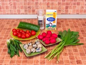 Салат с черемшой и овощами. Ингредиенты