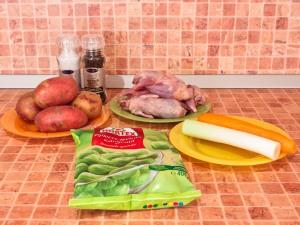 Суп с перепелами, брюссельской капустой и картофелем. Ингредиенты