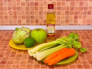 Салат с кольраби, сельдереем, яблоком и морковью. Ингредиенты