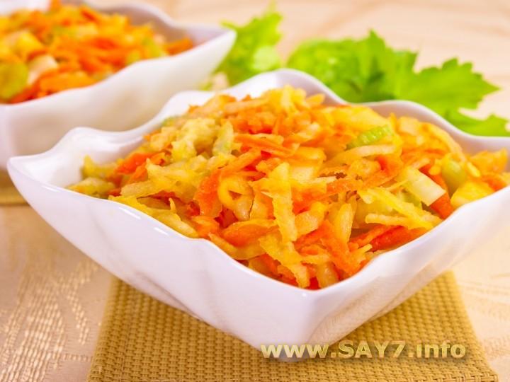 Рецепт Салат с кольраби, сельдереем, яблоком и морковью