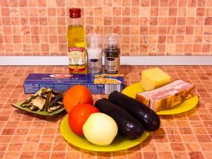 Спагетти с баклажанами, белыми грибами и грудинкой. Ингредиенты