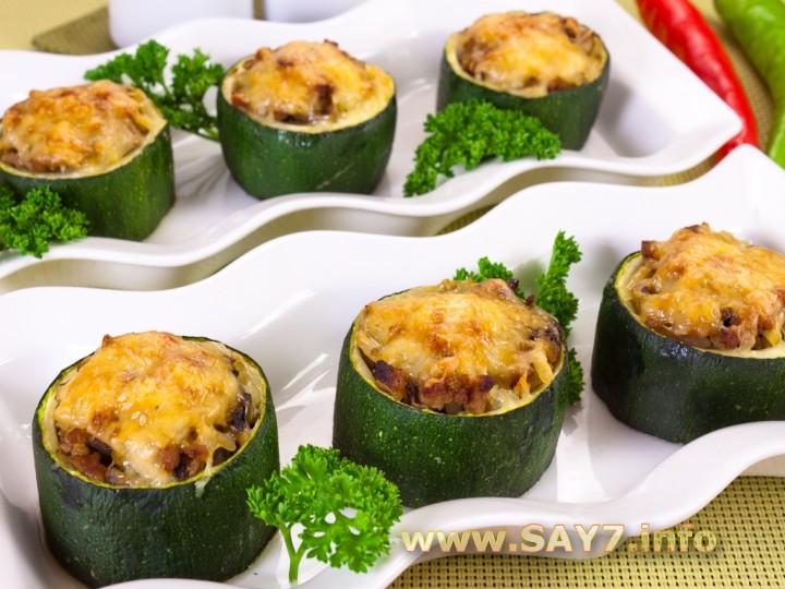 Рецепт Цуккини, фаршированные мясом, грибами и рисом