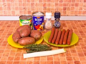 Томатный суп с охотничьими колбасками и фасолью. Ингредиенты