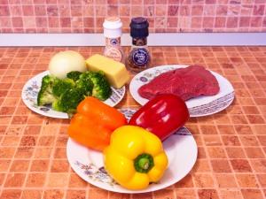 Перец, фаршированный говядиной и брокколи. Ингредиенты