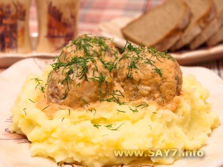 Рецепт Тефтели в томатно-сметанном соусе
