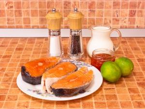 Семга в сливочно-икорном соусе. Ингредиенты
