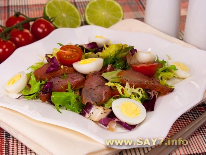 Рецепт Салат с карпаччо, черри и ароматной заправкой