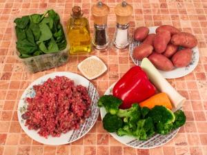Суп с фрикадельками и шпинатом. Ингредиенты