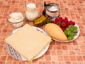 Слоеные корзинки с кремом из маскарпоне, манго и фруктами. Ингредиенты
