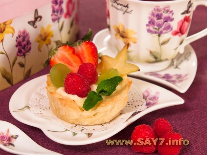 Рецепт Слоеные корзинки с кремом из маскарпоне, манго и фруктами