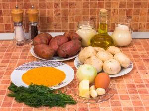 Картофельно-грибные котлеты со сметанным соусом. Ингредиенты