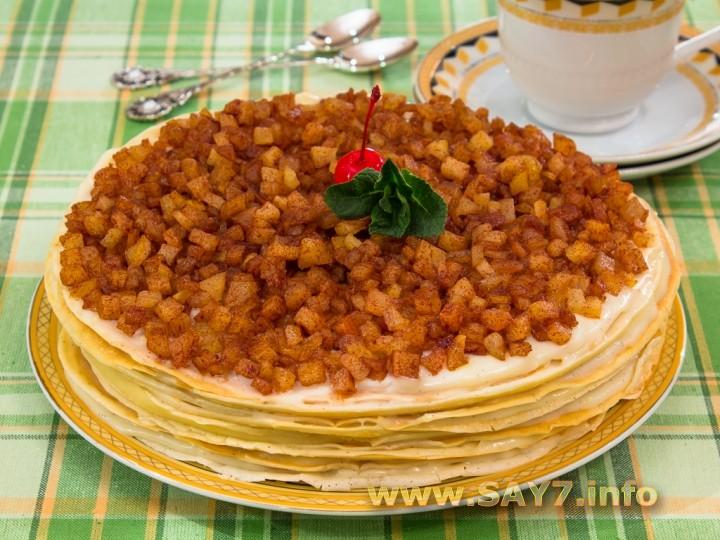 Рецепт Блинный торт с заварным кремом, яблоками и корицей