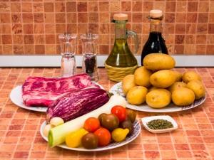 Свиные ребрышки, запеченные с овощами. Ингредиенты