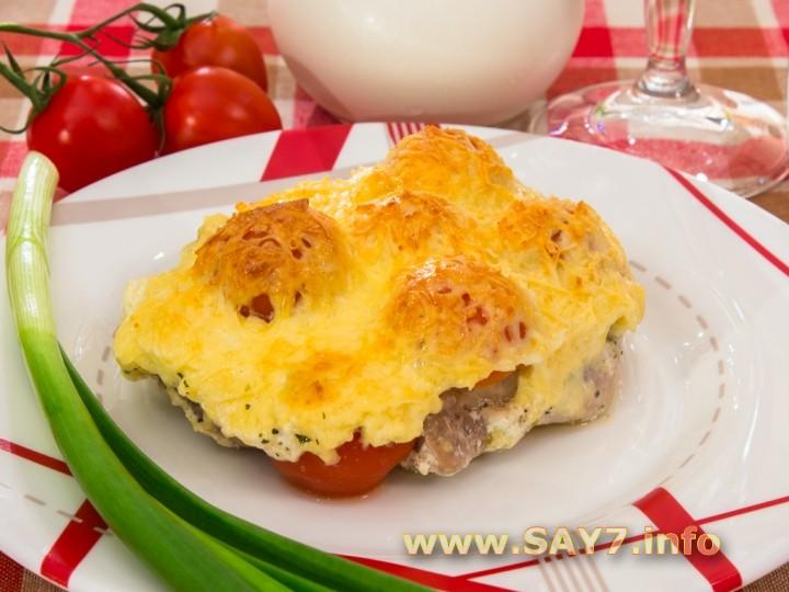 Рецепт Свинина с помидорами, запеченные в сливках